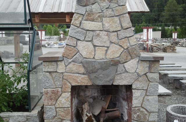 Whitetail Random Granite Veneer