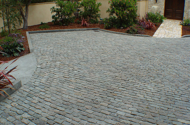High Cascade Granite Cobbles